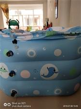 宝宝鱼9成新游泳池一个,买的时候149元,规格120cm×95cm×72cm。附带电动充气泵一个,脖...