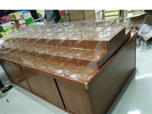 材质:实木,厚的钢化玻璃盒 由十个柜子组合后如图2,可单独柜子出售。 颜色如图一 地址:博兴县...