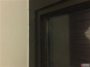 奇葩设计导致屋外下大雨屋内下小雨