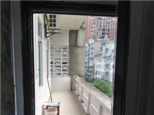 长阳四冲街农机公司3室1厅1卫8500元/月
