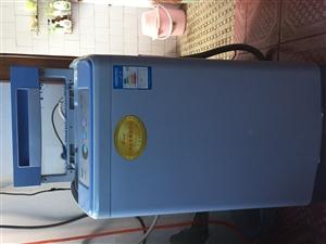 本人因工作调动原因,低价处理洗衣机(¥:200)、冰箱(¥:400)。冰箱??软冻功能,1级能效,使...