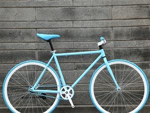 死飞自行车200元,永久自行车100元,冰箱100元。