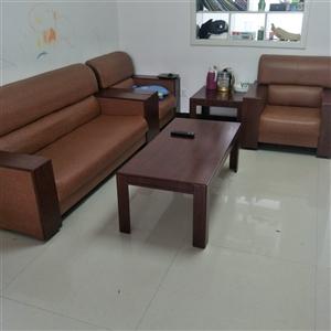 沙发,茶几,衣柜便宜处理。