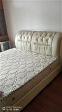 1.8*2.0     9成新的席梦思+床,原价4980,现在1200元,床踏是实木+皮床头,欢迎光...