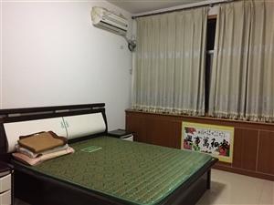 南韩花园3室2厅1卫1200元/月