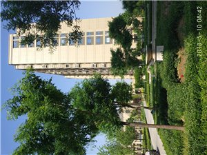 凯泽翡翠城2室3厅2卫140平方一楼带院153万元
