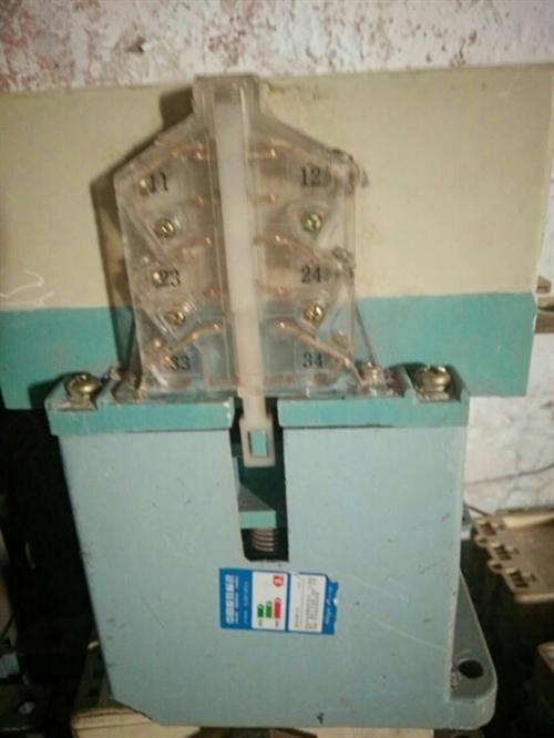 出售二手,配电柜,真空开关,德力西断路器,接触器,电表,