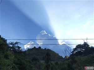 天边出现一道美丽的风景线