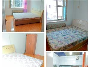 建行家属楼3室1卫550元/月
