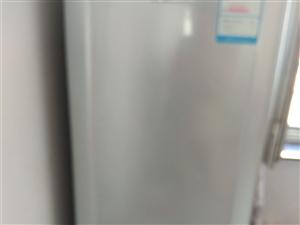 自家用的冰箱    床垫