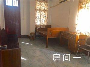 江南新村3室2厅2卫1600元/月