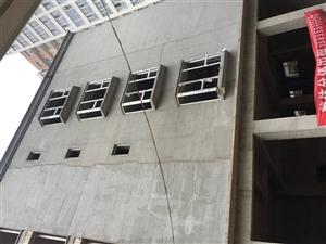 5层楼房出租,带电梯,楼顶带院子