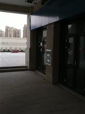 明发城市广场EF地块4间商铺6000元/月