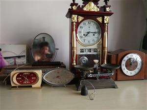 本人长年大量高价回收老旧钟表,收音机,录音机,老式脚踏缝纫机,报刊书画等,闲置废旧物品,有处理废旧物...