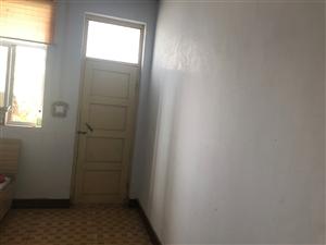 世纪华联2室1厅1卫200元/月