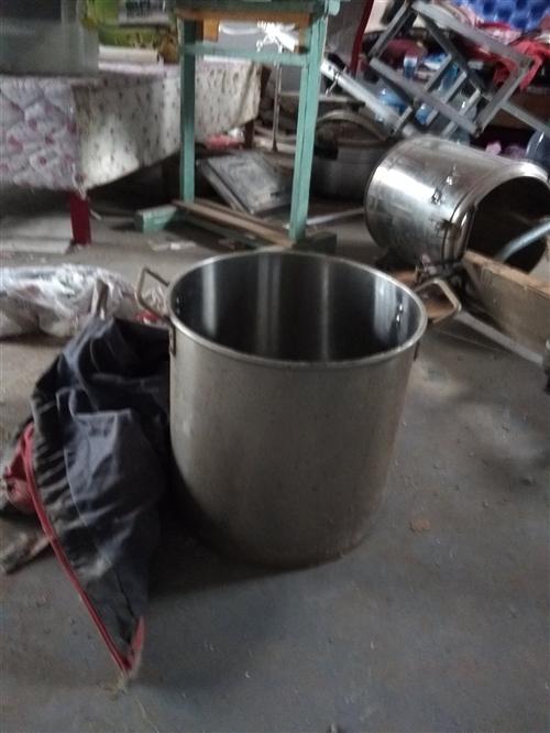 肉夾饃二手設備低價轉讓一個爐孑,一個不銹剛桶,一個不銹鋼保溫桶,不銹剛電爐頭