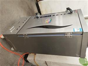 厨房设备全套转让,只用了一个多月,压面机和面机蒸饭柜发酵箱蒸笼等。电话13477901082