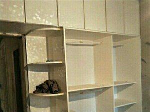 室内木工装饰。承接:家装,工程,门面,吊顶造型,花架,大衣柜,电脑桌,榻榻米,维修活,家具维修等等…