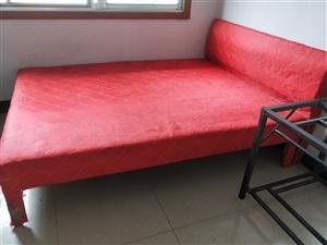 买了几天的新床2张现在搬不走,便宜卖了