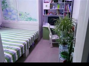 低价出售新改地热 已装修 楼房 带家具家电 太阳能和小房