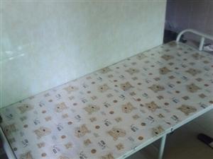 9.9成新 折叠床 便宜便宜 120/张 一共两个 都买给便宜