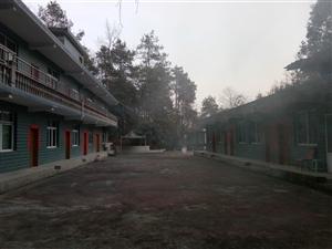 开阳县城关镇石头村雨龙洞山庄出售