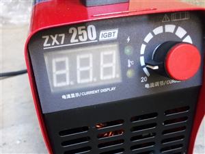 在家闲置两个小型新220伏250电焊机出售,新型逆变电子,带5米焊线焊钳回家直接用