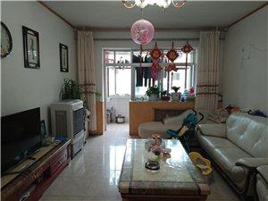 五一街区3室2厅1卫120平米6楼精装修低价出售