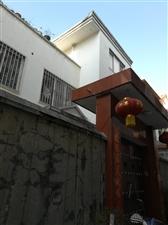 君山广场东15米自建房两层半整体对外出租