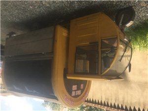 淘宝新购餐车原价13800元,有票据。使用三月,八成新。内配置齐全,有燃气炉,煤气罐,操作台,陈列架...