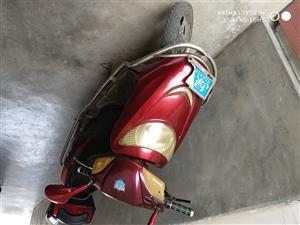 规格尺寸:48V20ah绿驹电动车 新旧程度:电池是17年6月底换的,车充一次电还可跑四五十公里...