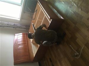 实木床、10厘米棕垫、双床头柜