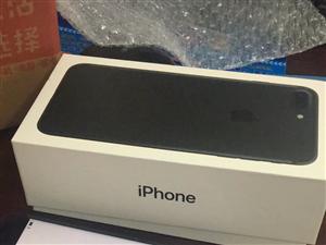 特惠iphone手�C出售,有意者添加上�D二�S�a