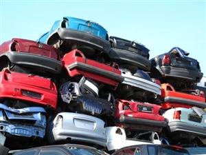 高价回收报废矫车,面包车,越野车,六轮车,工程车,是车就要??15065310727微信同