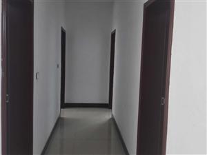 君山饭店对面4室2厅2卫26万元