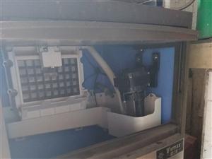 出售冰之乐冰淇淋机,原价6000多;维士美45kg制冰机,原价3000。都能用,用不上500当破烂卖...