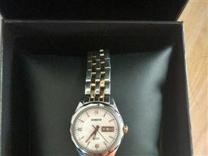 依波,机械女士手表,实物拍照,2000元买的,现在低价出售,价格可商量
