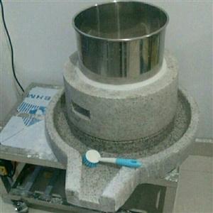 本身低价出售一台电动石磨,一台蒸汽炉,一台肠粉一。价格便宜,联系方式13949561754