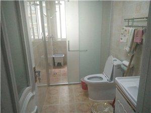 君凯华府4室2厅2卫700元/月