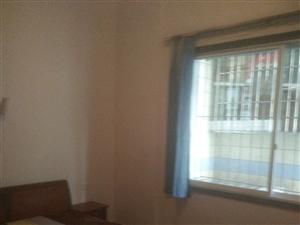 临江大厦3室2厅2卫500元/月