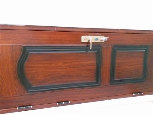 99新因拆迁寻找有缘人,全套标准尺寸居家门窗,院门,大门,实木房门,另有实木衣柜,电视柜,沙发凉椅等...