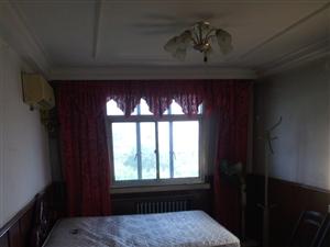 七邻里3室1厅1卫1200元/月