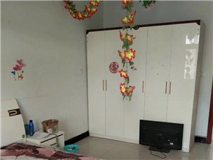 泰安路套房2室2厅1卫666元/月
