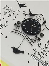 可爱的小闹钟,放在哪儿都是一处个性装饰,九成新