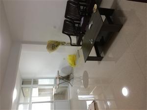 龙馨佳苑3室2厅1卫1500元/月