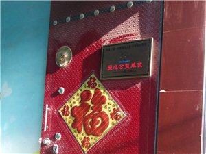 出售大门(两扇),3.2米宽3.3米高,有意者请致电13153163106