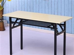 九成新的辅导班桌椅和电脑桌可做办公桌,还有书柜和晨光黑板白板,低价转让,18237794809!