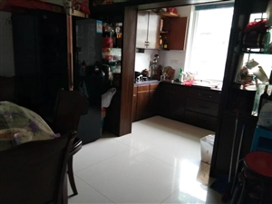 龙潭小区3室2厅2卫110万元