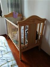 婴儿床转让,买的时候800,质量好没味道,还有小摇床蚊帐,孩子大了现在转让