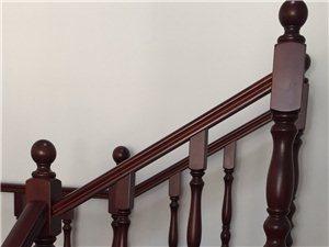 木质楼梯扶手踏步